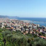 trainingskamp organiseren plannen regelen voetbalteam italie ligurische kust chiavari luchtfoto stad