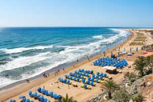 gocalcio voetbal traningskamp organiseren regelen plannen gran canaria spanje strand januari februari maart april mei juni juli augustus september oktober november december strand maspalomas